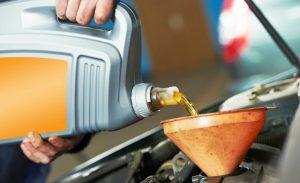 Зачем нужно моторное масло в двигателе и когда его лучше менять